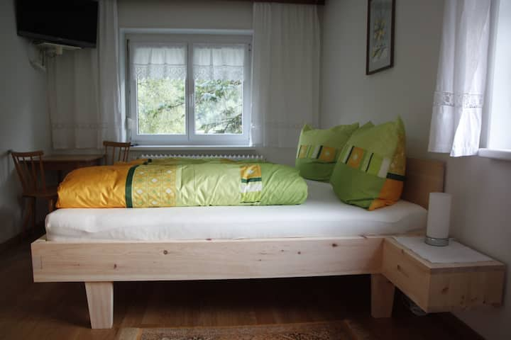 Pension Fink, B&B recreational Pine bed