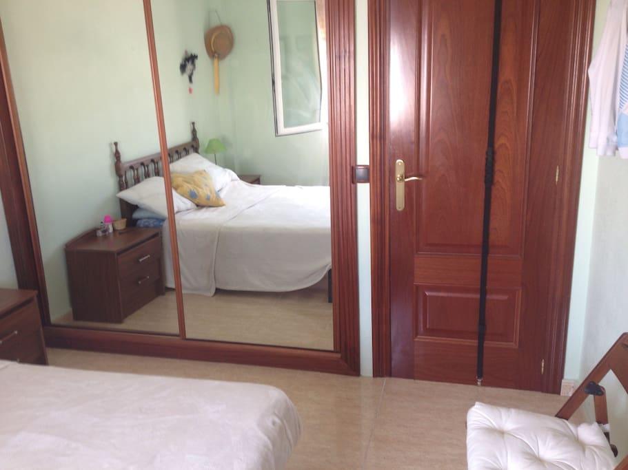 Hab tacion doble con ba o privado apartamentos en alquiler en alicante comunidad valenciana - Alquilo habitacion en alicante ...