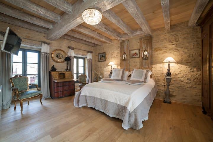 CHAMBRE ROMANTIQUE avec petits déjeuners inclus - Saint-Léon-sur-Vézère - Bed & Breakfast