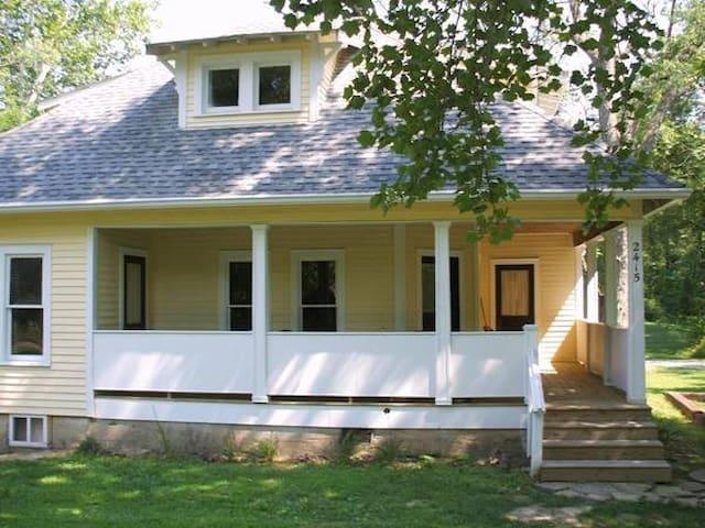 Salt Creek Farm House a Classic Tourist Home!