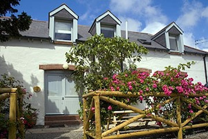 Puffin Cottage, Broomhill Manor - Bude - Casa