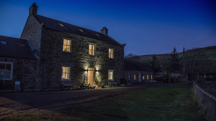 The Old Miners Hall with Hot Tub Spa Lodge