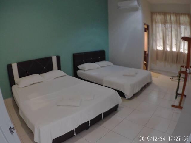 Promenade 3 (Three Bedroom Homestay)