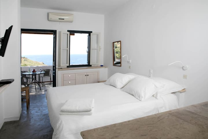 Blue Dawn Kalymnos Premium Suite