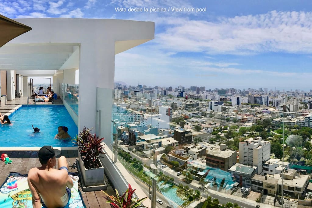 Rooftop pool with city and ocean view! (closed on monday and tuesday) Piscina en el ultimo piso con vista a la ciudad y al mar! (cerrada los lunes y martes)