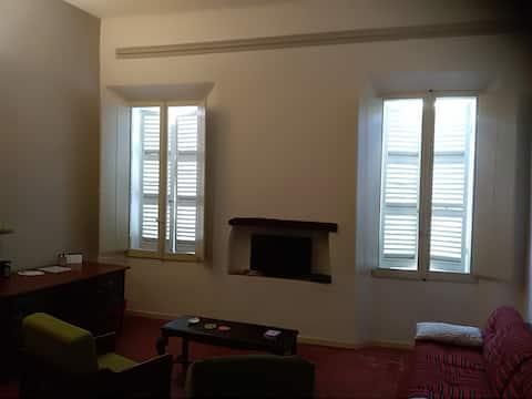 Groot appartement met twee kamers in het centrum