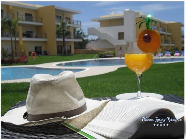 Marina Luxury Residence 5*