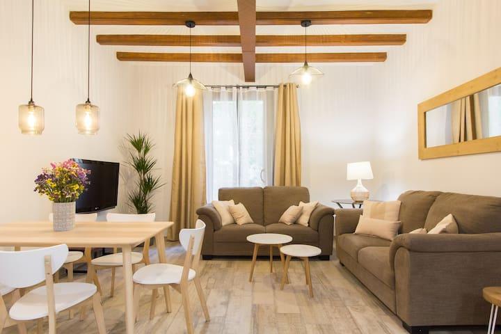 Exclusive 3 Bedroom Apartment w Balcony