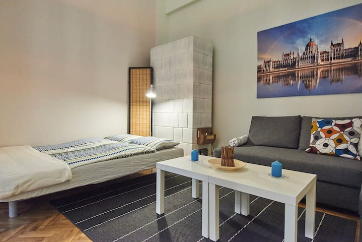 Central located cool apartment in the downtown A/C