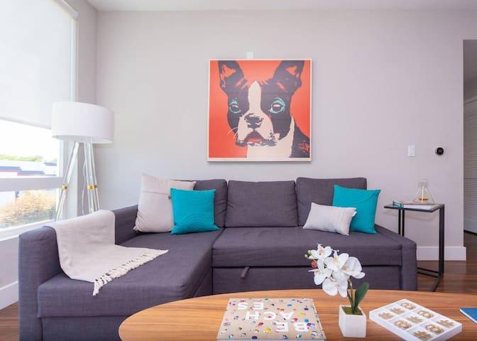 Kasa   Santa Clara   Designer 2BD/2BA South Apartment