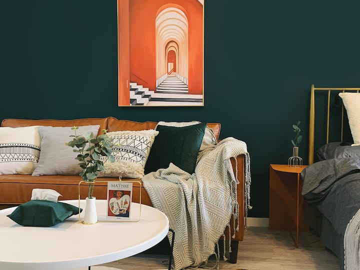 Designer House Close to City Center · DARK GREEN