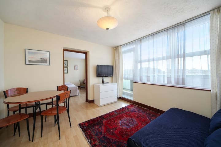 Lovely one bedroom apartment in Notting Hill Gate