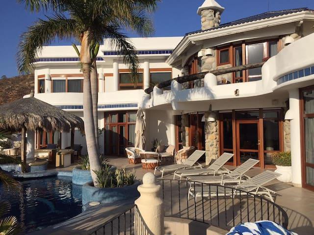Large 6 Bedroom Villa in Pedregal Cabo San Lucas - Cabo San Lucas - Villa