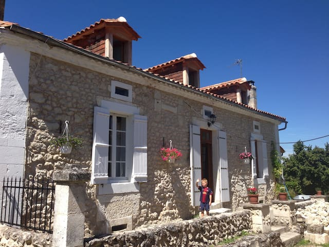 Lovely stone cottage in hamlet - Saint-Méard-de-Drône - Talo