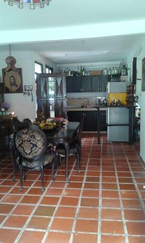 Habitacion en Casa campestre cerca a Cali - Borrero Ayerbe - House