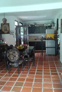 Habitacion en Casa campestre cerca a Cali - Borrero Ayerbe