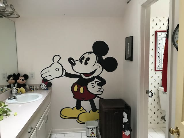 Nostalgic bathroom decor