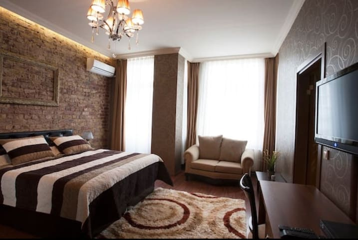 Historical Suite in the Heart Of Old City