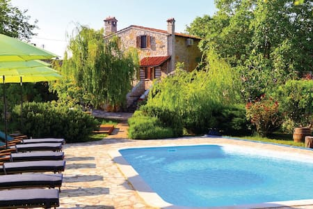 Full privacy romantic pool villa - Salambati - Βίλα