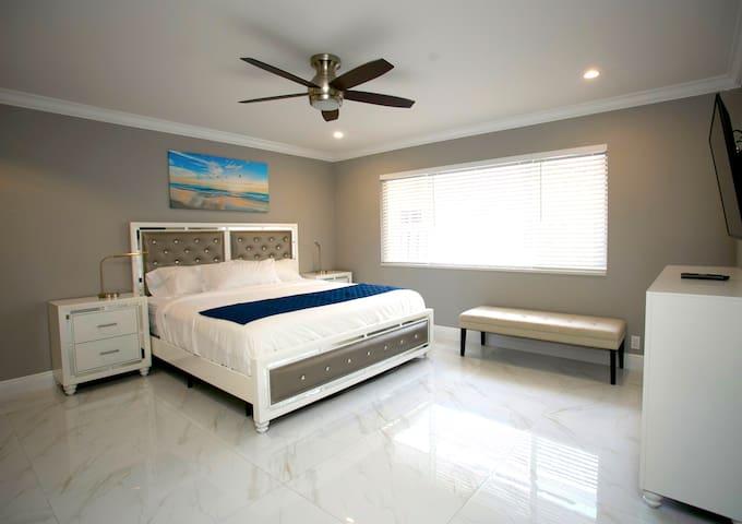 Master Bedroom #1 - King Bed