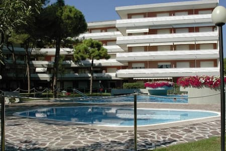 Residence Meridiana A - studio with swimming pool - Lignano Sabbiadoro