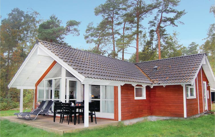 Holiday cottage with 3 bedrooms on 87m² in Stege