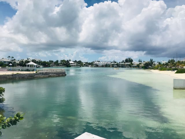 SandyPort Paradise -Beach, Marina & Mangrove Views