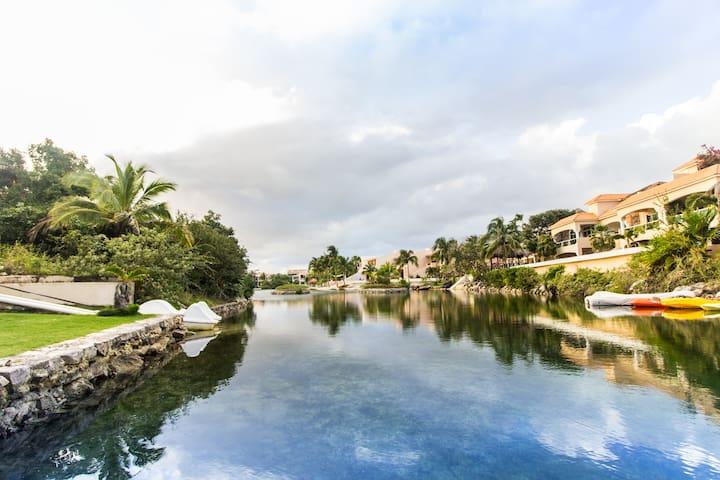 One Bedroom Apartment Pool View- Coral Maya