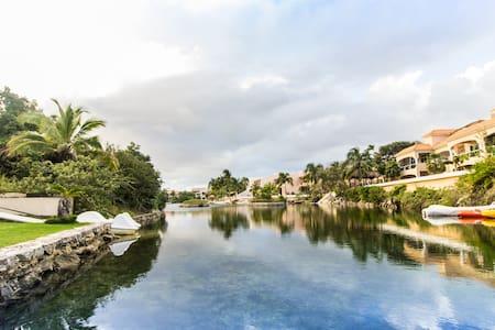 Departamento de 1 Recámara- Coral Maya Condo Hotel