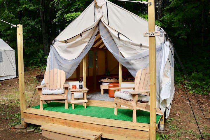 Hudson Valley Glamping Tents at Treetopia 001
