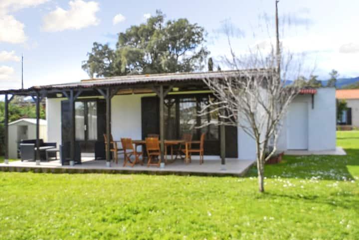 Nettes Haus mit Garten & Terrasse