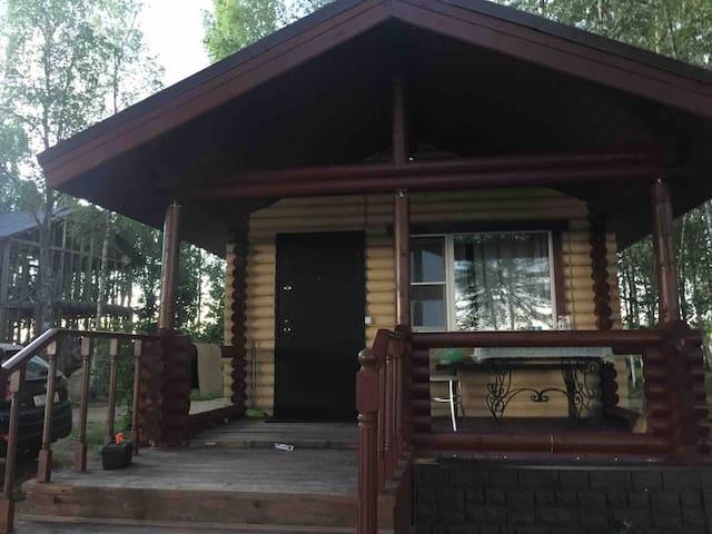 Рубленый дом на 2 гостей и 1 ребёнка