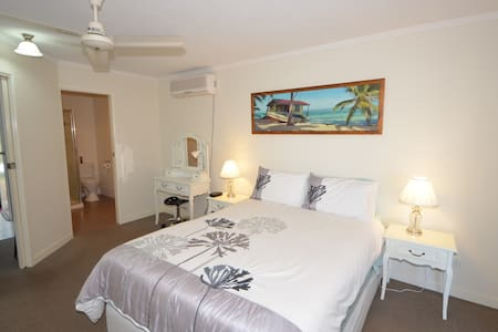 Lamberts Beach B&B En-Suite,TV,WiFi - Slade Point