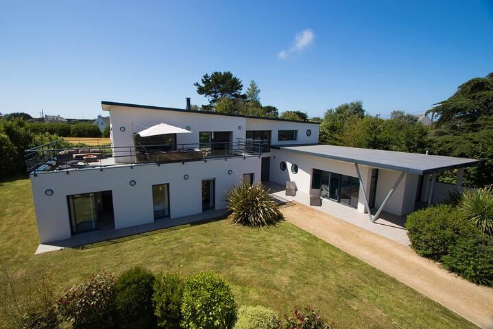 Villa Avec Piscine intérieure