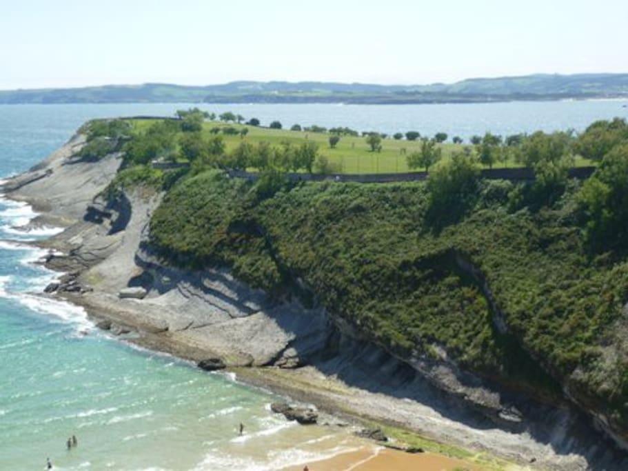 cliffs/beach