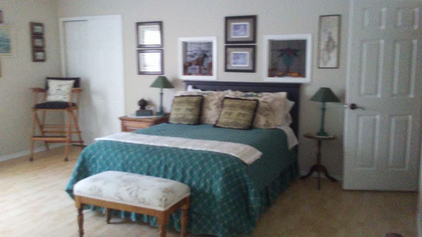 Two beautiful rooms $50 nightly  in treed setting