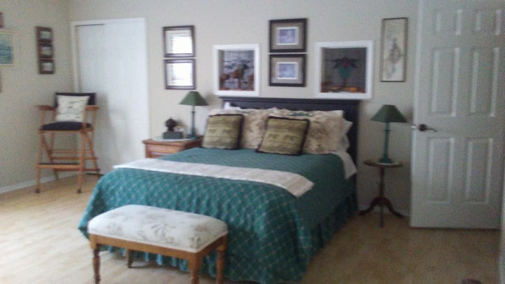Two beautiful private rooms each with queen bed.