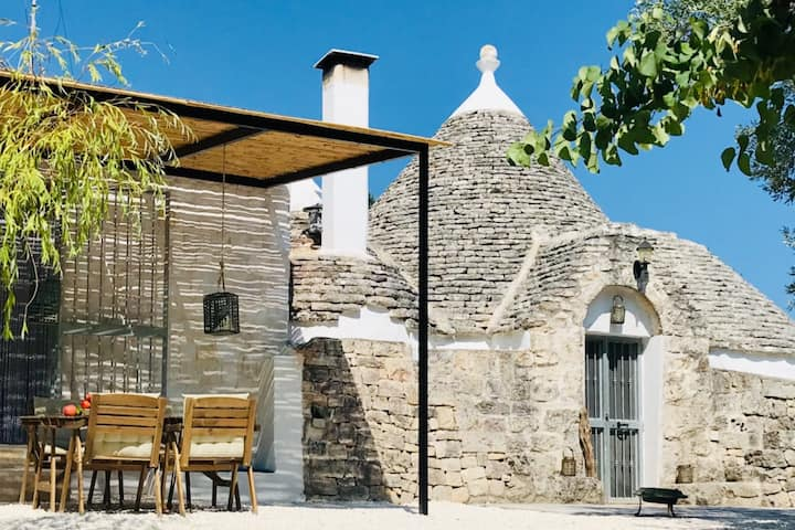 Beautiful boutique Trullo in stunning nature
