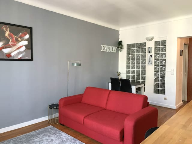 Comfortable flat for 4 persons in Paris Center