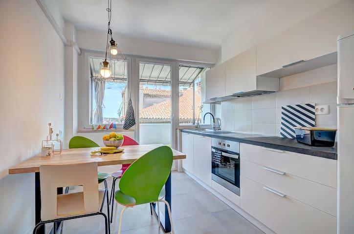 Bright new modern kitchen
