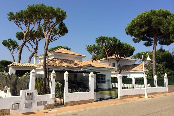 Beautiful Villa in Nuevo Portil, Andalucia