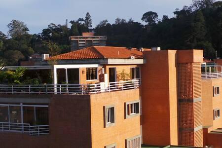 Espectacular Pent House (ático) - Kondominium