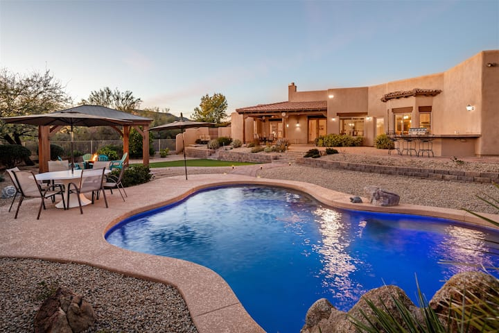 Serenity in the Southwest - large pool, fire pit, & BBQ grill!