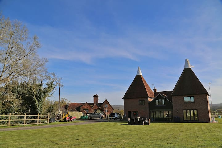 4 Bedroom countryside Oast House on old dairy farm - Hever - Haus
