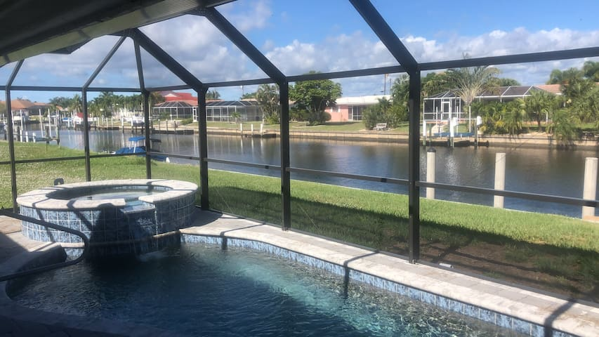 Waterfront 3/2 in beautiful Punta Gorda Isles!