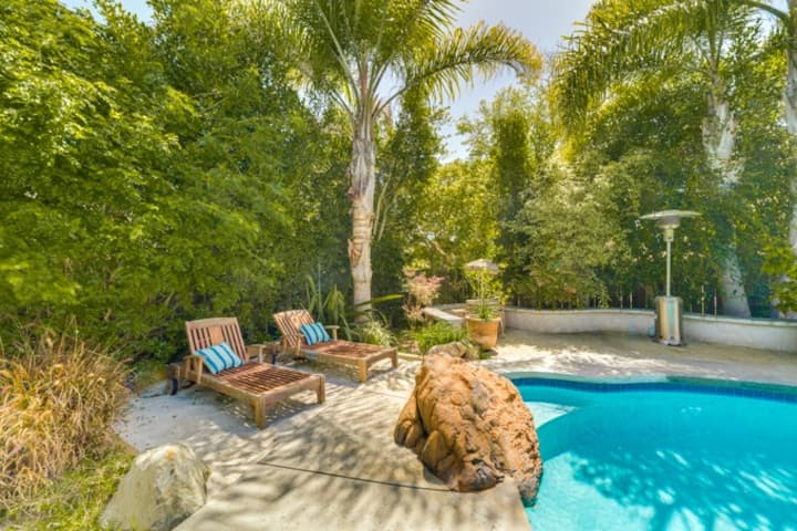 Charming East Coast style home in Del Mar w/ pool