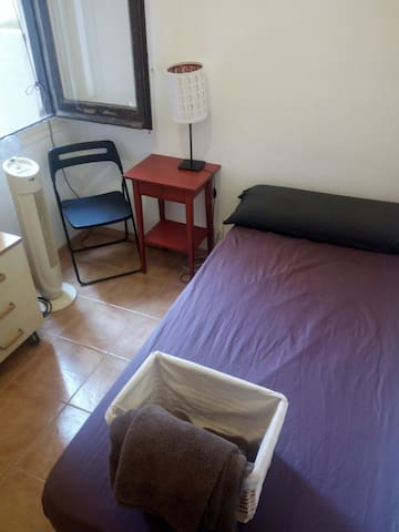 Nice and quiet room near Rambla del Poblenou 25€