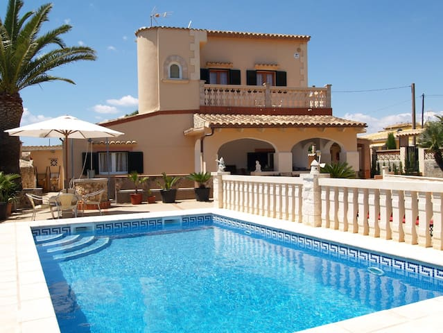 Villa López, 6 pax, Es Cap Des Moro, Santanyí.