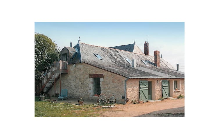 Semi-Detached with 2 bedrooms on 105 m² in St Jean des Mauvrets