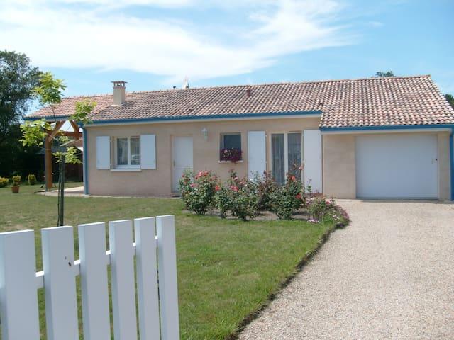 Messanges maison à proximité de la plage et forêt - Messanges - House